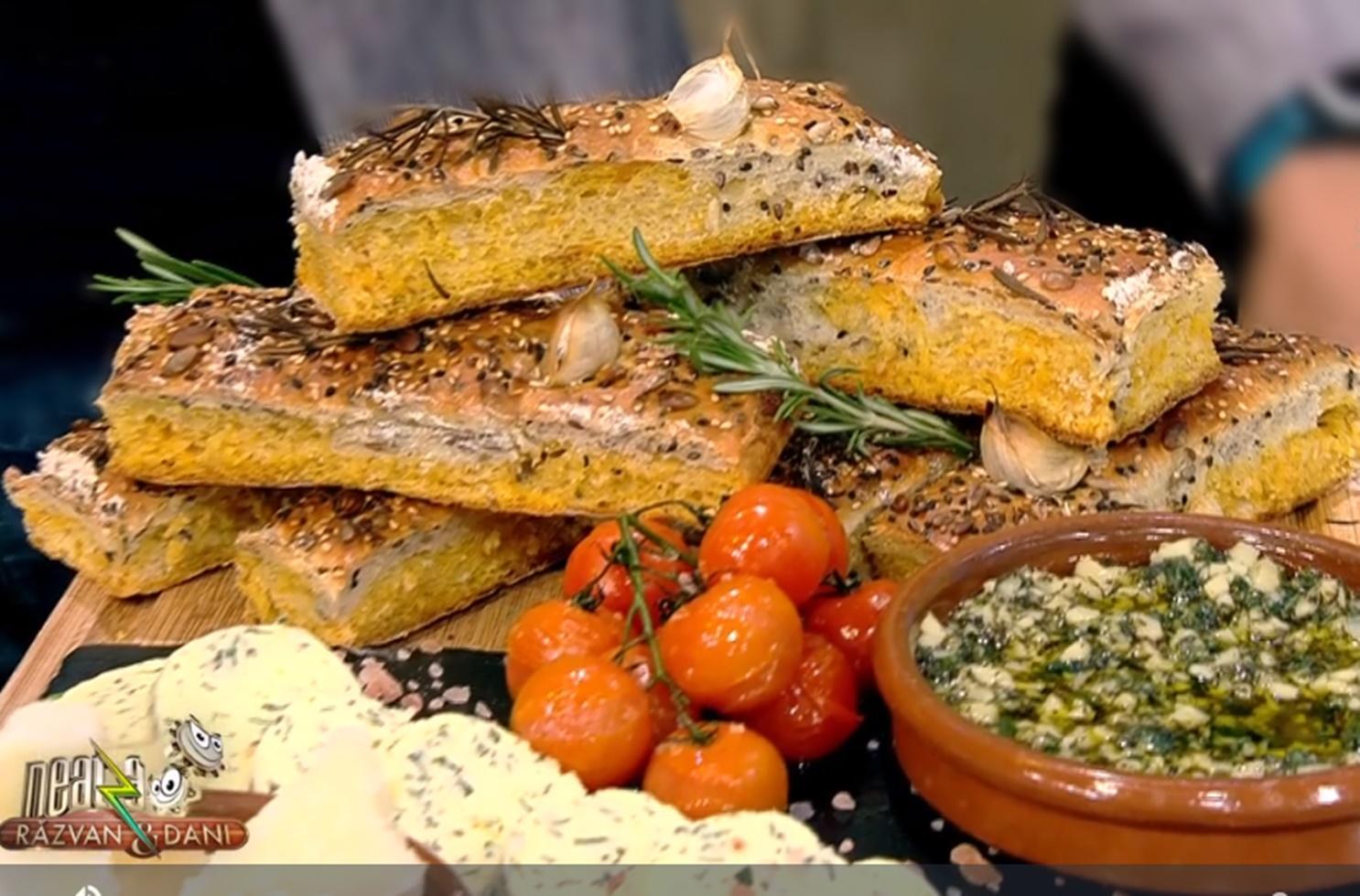 O rețetă deosebită de pâine cu cartofi dulci și semințe din bucătăria lui Vlăduț