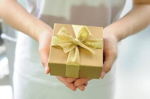 Cum sa surprinzi o femeie cu un cadou special pentru orice ocazie