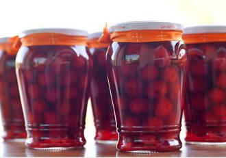 Compot de cireșe: Rețeta fără zahăr și fără conservanți
