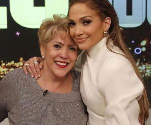 Jennifer Lopez, portret de familie înduioșător. Trei generații într-o singură fotografie de colecție alături de copii și mama sa Guadalupe